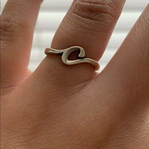 """James Avery """"C"""" Script Initial Ring size 6."""